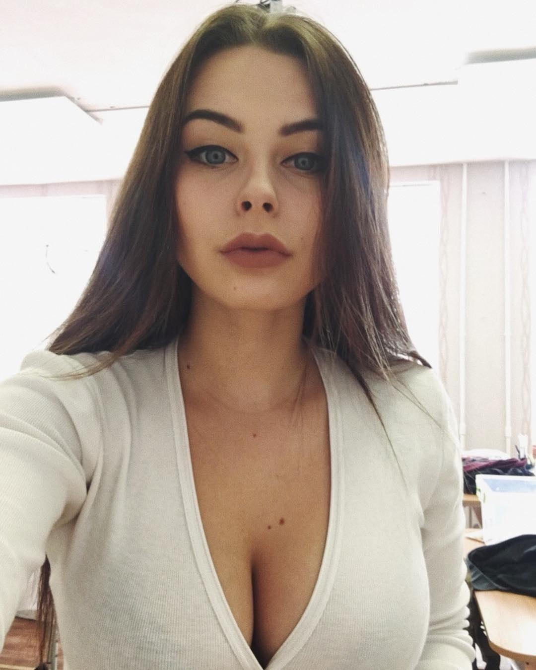 Kıbrıs Ela Gözlü Seksi Escort Esra